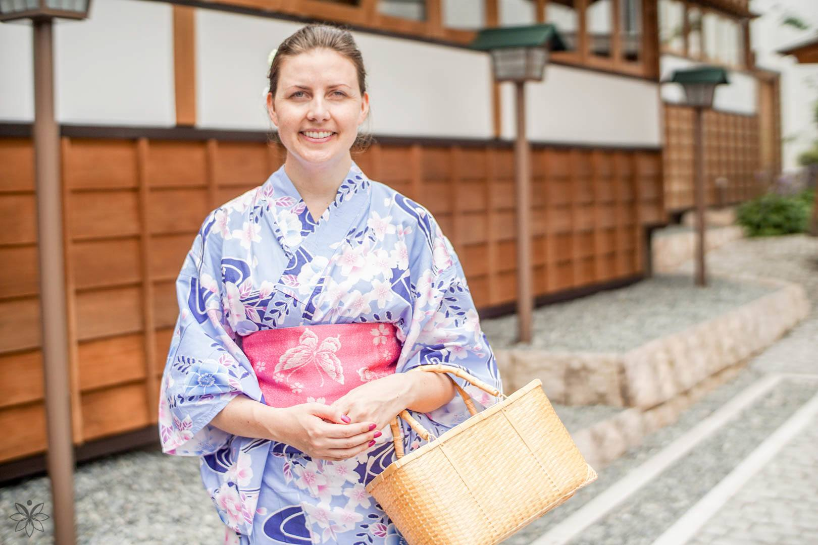 best places to travel alone kimono japan
